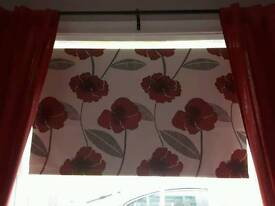 Poppy print blackout rollerblind