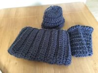 Hat, Cowl and fingerless gloves