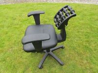 Swivel Chair With Spine Massager(Look at photos)