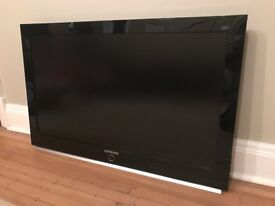 SAMSUNG LCD TV / PC Monitor 40 Inch Widescreen Excellent Condition (Picture Problem? - Repair)