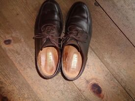 Mens Tusker shoes size 8