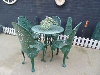 STUNNING VINTAGE GREEN METAL GARDEN SET ROUND TABLE WITH 4 CHAIRS VERY SOLID SET