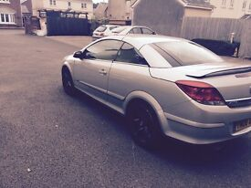 08 Vauxhall Astra twin top sport