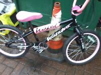 A very nice girls bmx for sale