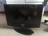 For sale SAMSUNG TV 57cm - 23inch in good condtion!!