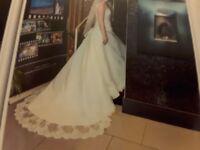 Shanessa wedding gown £300 ono