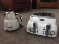 Delonghi scultura white kettle and toaster