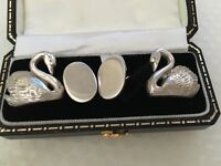 Hallmarked English Silver Cufflinks With Swan Design In a Presentation case