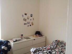 2 Double Bedrooms available in spacious, modern, first floor flat