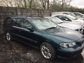 Green Volvo V70 Diesel Automatic car. Very good condition, 12 months MOT included.