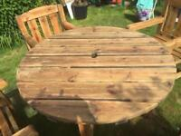 Round Solid Heavy Garden Table & 4 Chairs.