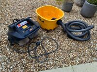 DeWalt DWV901L - GB Wet & Dry Dust Extractor and Hoover Vacuum Cleaner 240v 30Ltr 'L' class