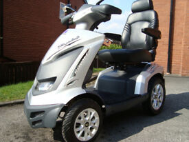 DRIVE ROYALE 4 MOBILITY SCOOTER/DISABILITY SCOOTER .TOP OF THE RANGE MOBILITY