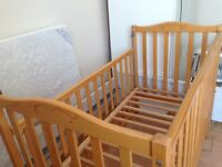 Mamas and Papas Pebble Cot Bed- Very good Condition | With mattress | Like new |