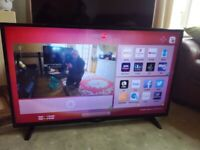HITACHI 48 LED TV (48HB6T72) SMART/WIFI/MEDIA PLAYER/FREEVIEW HD/SLIM DESIGN