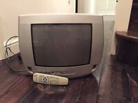 """Phillips TV - portable analogue (15"""" screen) + Remote control"""