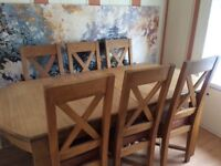 Solid Oak Dinimg Table with Six Chairs