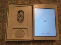 Apple mini iPad 1st generation. 16gb White