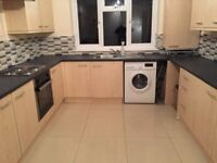 Two bed room flat for rent In Hackbridge walking distance to train station and shops parking