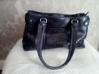 LIZ CLAIBORNE HANDBAG FOR SALE