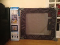 Mothercare pressure fit barrier - good condition
