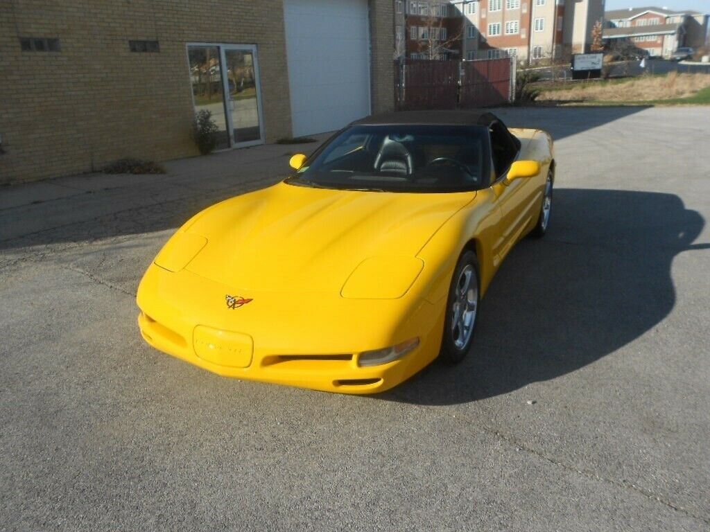 2001 Yellow Chevrolet Corvette   | C5 Corvette Photo 2