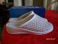 5 pairs of differant style summer shoes all new size 5s