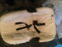 Baby car carrier/seat