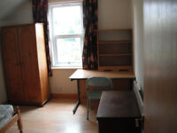 Double Bedroom in shared house in Kingsholm Gloucester £360pcm incl bills