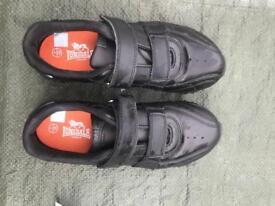 Lions dale school shoes in Excellent condition size 3