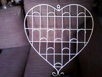 Heart shaped wall hanger......... JUST £1.50 !