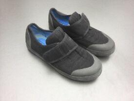 Startrite black Plimsoles / Plimsols, size 12 1/2