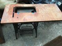 ANTIQUE VINTAGE SINGER CAST IRON TEADLE SEWING MACHINE BASE TABLE