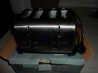 4 SLICE TOASTER IN STAINLESS STEEL USED TWICE GOOD QUALITY WITH BOX