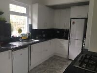 Large Double Room in Beautiful Victorian House to Rent