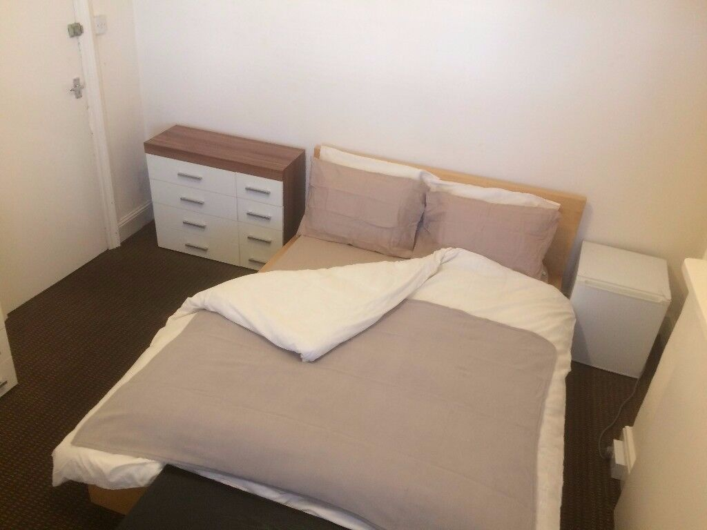 Room in shared house - All Bills Included-WiFi-Central Location-Lounge-Kitchen-Laundry-Garden
