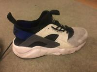 Nike air huaraches size 9