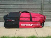 Gray nicolls power bow cryckiet bag in used condition! Can deliver or post!