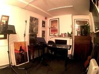 Music Room Available in Shoreditch, perfect for practise, writing, teaching, cheap!
