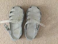 Igor Jelly Shoes size 22 (Infant 5)