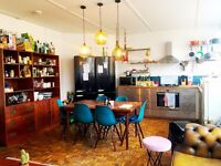 Large Double with Windows & Parquet Floor in Friendly Warehouse - Manor House, Stoke Newington