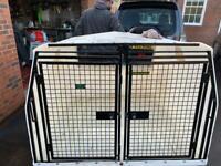Lintrain dog box
