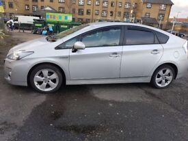 Toyota Prius T Spirit 3rd Generation 2010,Silver,Excellent Condition In & Out,Electric Hybrid 1800cc