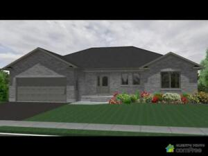 $419,000 - Bungalow for sale in Clifford