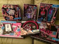 Monster High 8 Mixed Games and accessory sets
