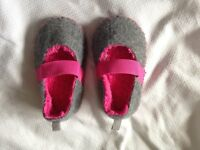 New Cute girls M&S Slippers with Thinsulate - Infant Size 5
