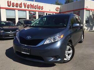 2014 Toyota Sienna LE-  Back Camera/ Power Seat /