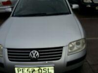 VW PASSAT ESTATE 52 REG SERVICE HISTORY 12 STAMPS