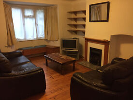 3 Bedroom unfurnised house £1250, Kendal way Cambridge, Available Now
