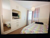 A FULLY FURNISHED DOUBLE EN-SUITES IN HAYES / UXBRIDGE